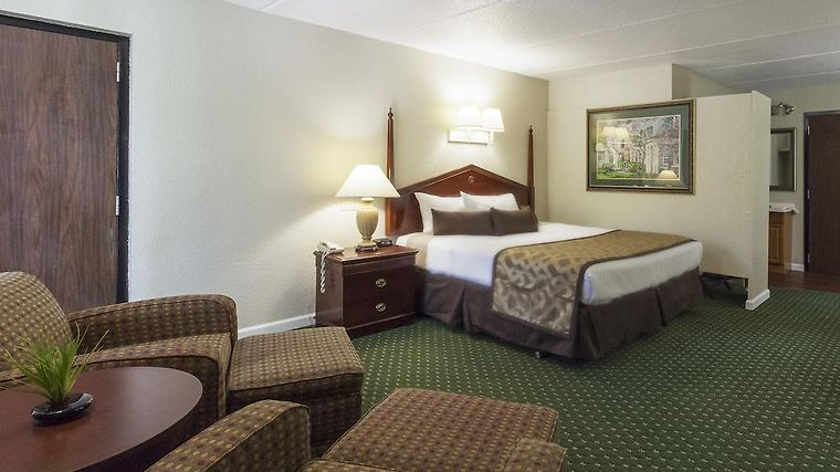 Four Seasons Motor Lodge Room Hotel information