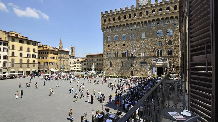 LUXURY APARTMENTS PIAZZA SIGNORIA FLORENCE (Italy) - from US