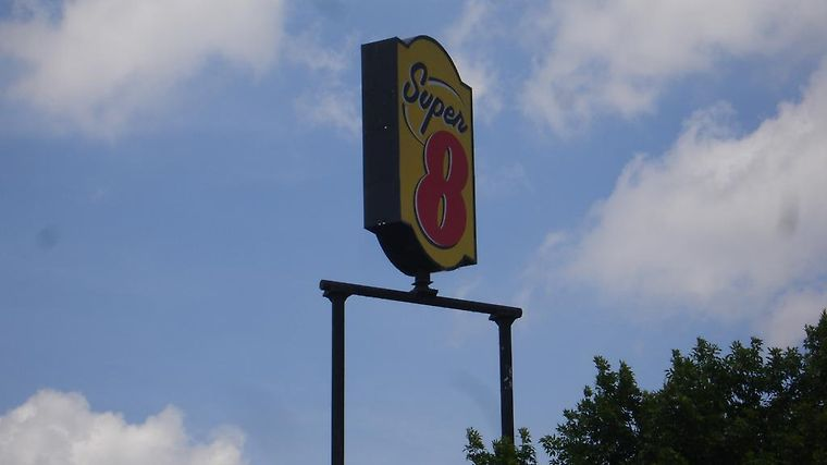 Super 8 Chattanooga/East Ridge Exterior Hotel information