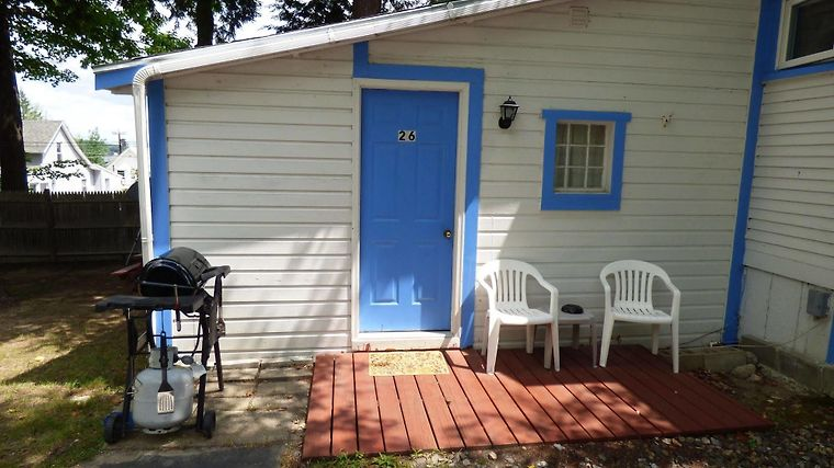 Hotel Weirs Beach Motel Cottages Laconia Nh 3 United States From Us 112 Booked