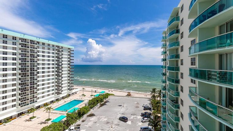 1 Miami Hollywood Beach At Tides 11th With Direct Ocean View Fl United States From Us 183 Booked