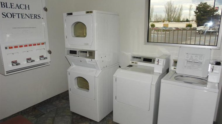 Motel 6 Tacoma - Fife Exterior Laundry Facilities