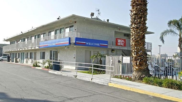 Motel 6 San Bernardino South Exterior Exterior view