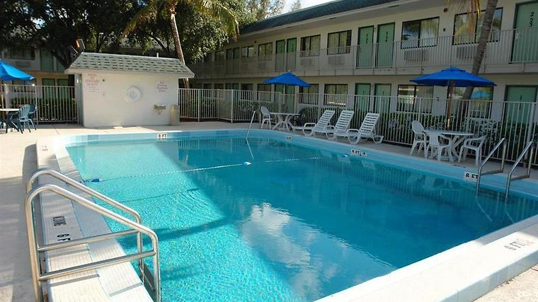 Hotel Motel 6 Pompano Beach Fl 2 United States From Us 91 Booked