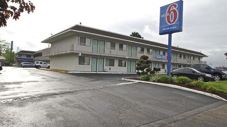 Motel 6 Centralia Amenities Exterior view