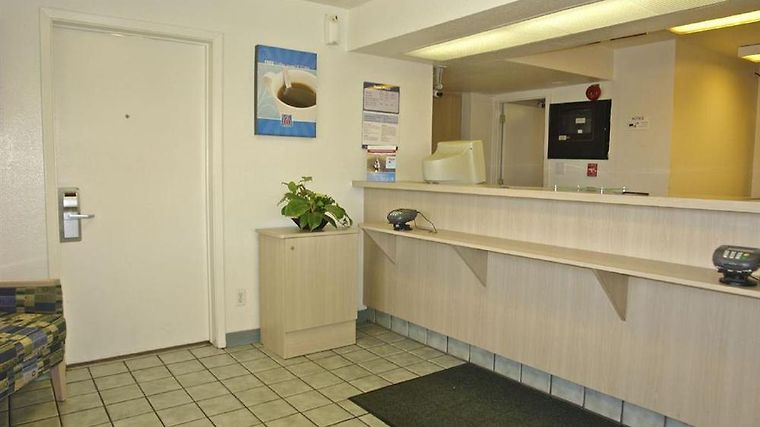 Motel 6 Mobile West - Tillmans Corner Interior Lobby view