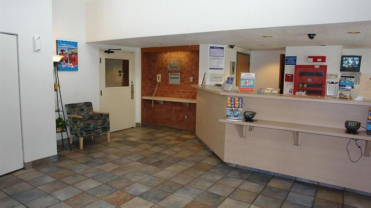 Motel 6 Rochester Airport Interior Lobby view