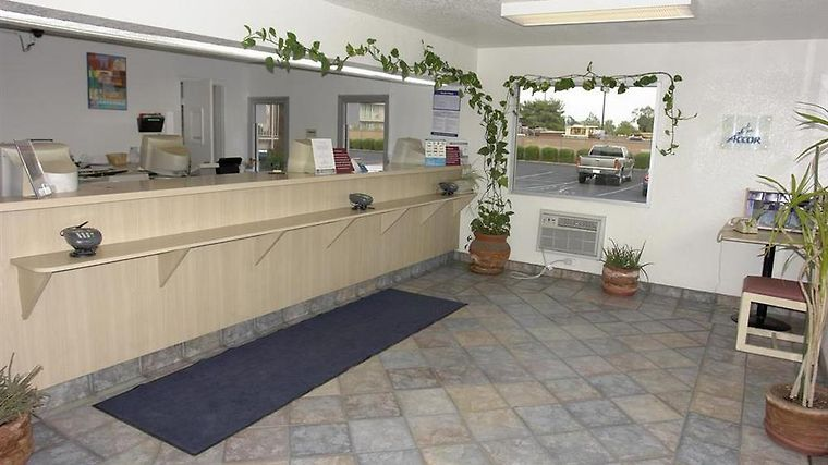 Motel 6 Phoenix - Black Canyon Interior Lobby view