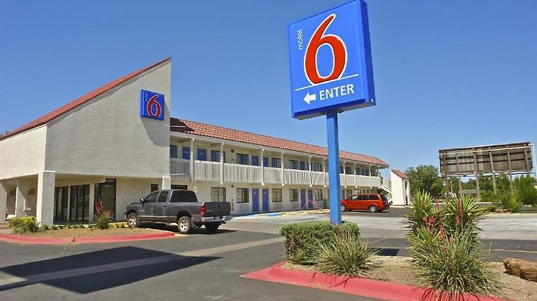 Motel 6 Amarillo - Airport Amenities Exterior view
