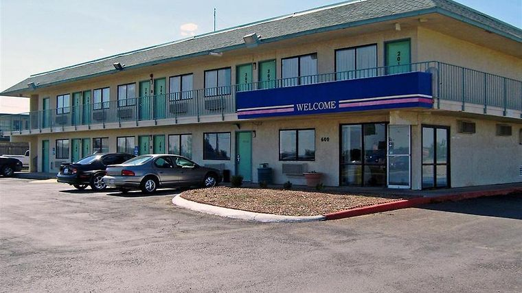 Motel 6 Big Spring Amenities Exterior view