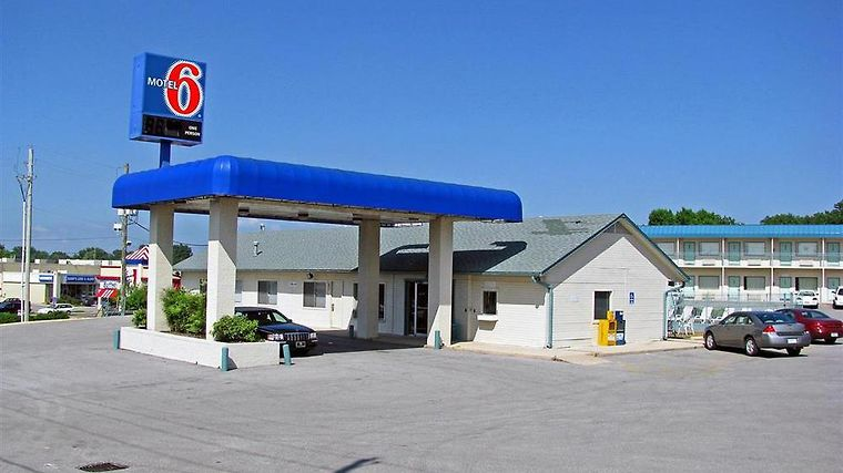 Motel 6 Fayetteville Ar Exterior Exterior view