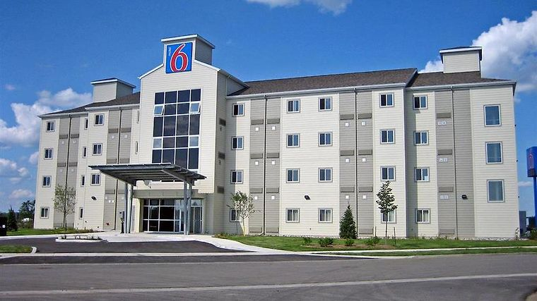 Motel 6 Kingston Exterior Exterior view