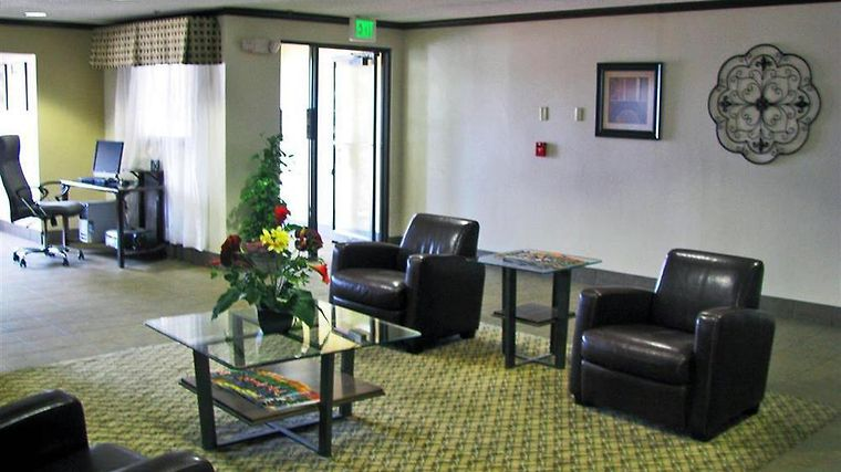 Motel 6 Crossroads Mall-Waterloo-Cedar Falls Interior Lobby view