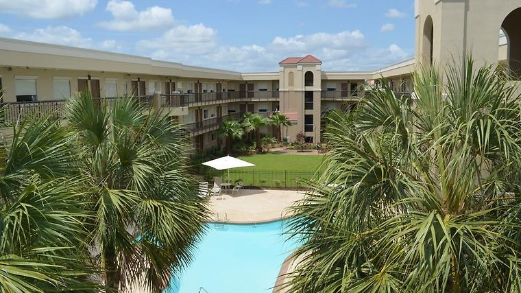 HOTEL WYNDHAM GARDEN BATON ROUGE, LA 2* (United States) - from US ...