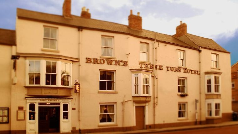 Three Tuns Exterior Swallow Three Tuns Hotel