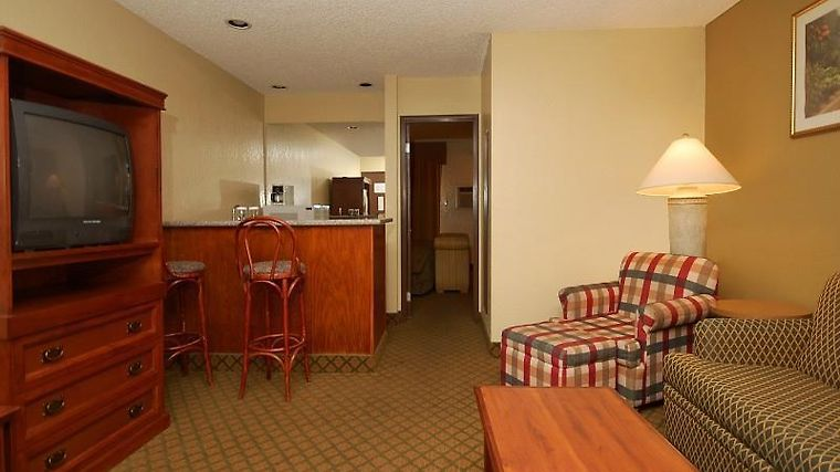 A Victory Inn & Suites Phoenix North Room Guest Room