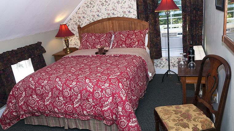 Tucker Hill Inn Room Classes Queen