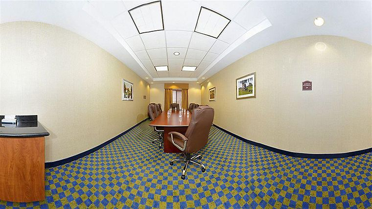 Comfort Suites Amish Country Interior