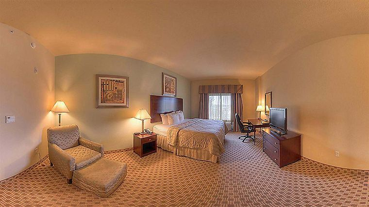 Hotel Comfort Inn Suites Fort Walton Beach Fl 3 United States From Us 130 Booked