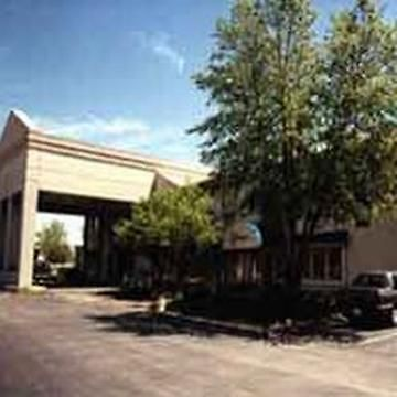 Hotel Days Inn And Suites Columbus East Airport Reynoldsburg Oh 2 United States From Us 58 Booked