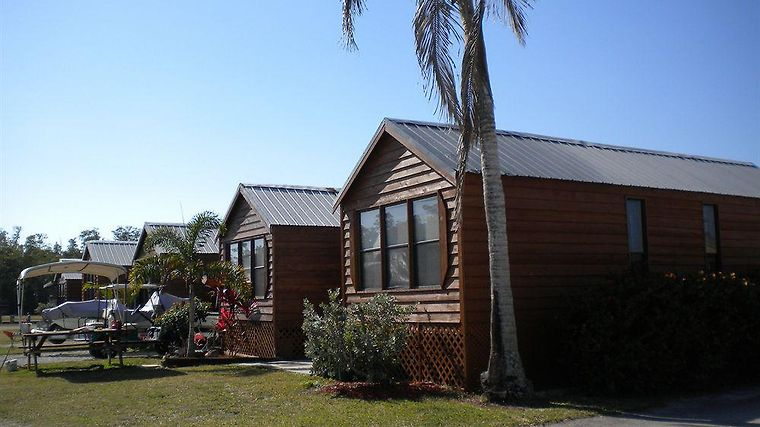 Glades Haven Cozy Cabins photos Exterior