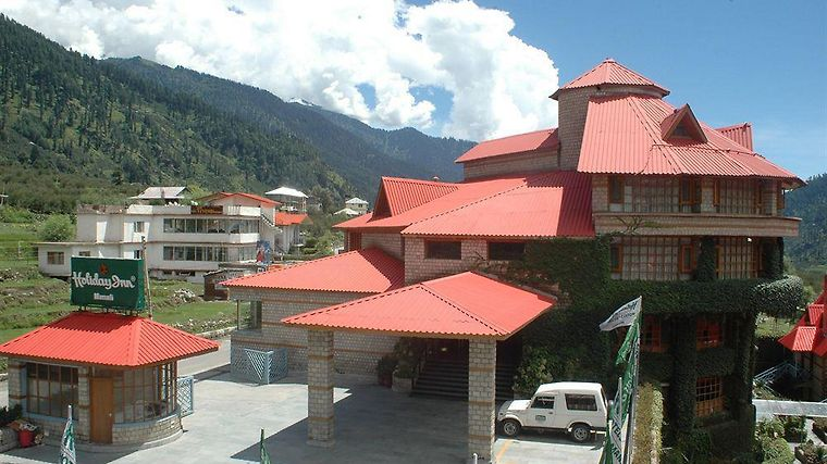 Holiday Inn Manali Exterior