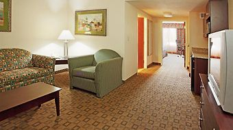 Holiday Inn Express & Suites Petersburg-Fort Lee photos Room