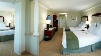 Radisson Hotel Orlando Lake Buena Vista photos Room Family Suite