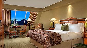 Luxor Hotel And Casino photos Room Pyramid Deluxe Queen Room