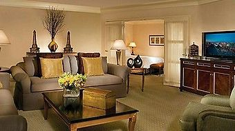 Four Seasons Hotel Las Vegas photos Room Deluxe Suite