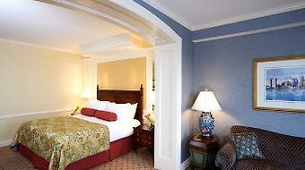 Boston Harbor photos Room Deluxe King Room with City View