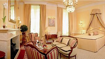 Sacher photos Room Junior Suite