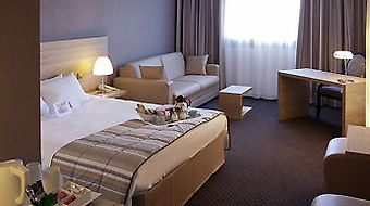 Mercure Bordeaux Le Lac photos Room Superior Room With One Double Bed And Sofa