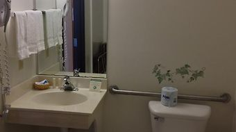 Americas Best Value Inn And Suites Spring Valley photos Room