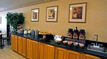 Inn & Suites At Discovery Kingdom photos Restaurant Breakfast Area