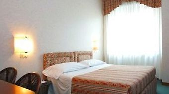Best Western Hotel Crimea photos Room One Single Bed
