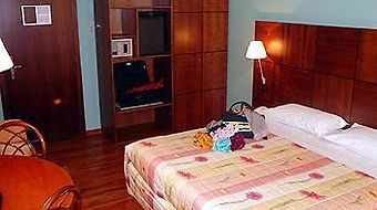Best Western Hotel Crimea photos Room One Queen Bed