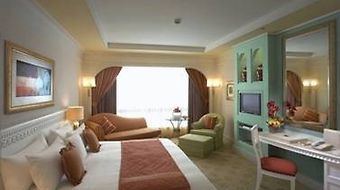 Habtoor Grand Beach Resort & Spa photos Room Club Room