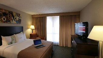 Doubletree By Hilton Hotel Dallas - Market Center photos Room Junior Suite
