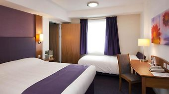Premier Inn Gatwick Manor Royal photos Room