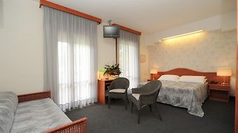 Hotel Negresco Jesolo photos Room