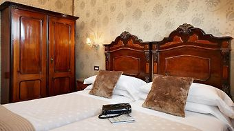Saturnia Hotel & International photos Room
