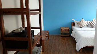 J Villa photos Room