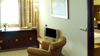 Holiday Inn Athens - Attica Av, Airport W photos Room Suite