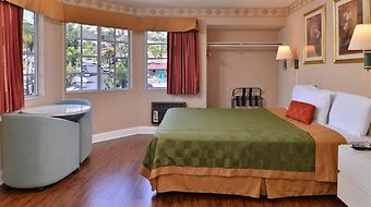 Americas Best Value Inn San Clemente Beach photos Room One King Guest Room 3