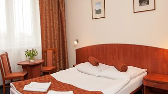 Hotel Arkadia Legnica photos Room