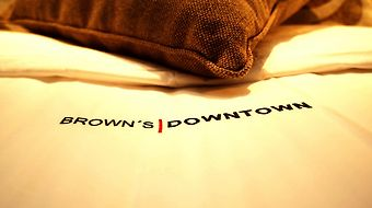 Brown'S Downtown photos Room