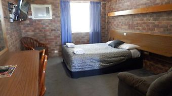 Allan Cunningham Motel photos Room
