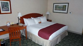 Ramada State College Hotel & Conference Center photos Room
