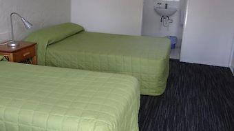 Urangan Motor Inn photos Room